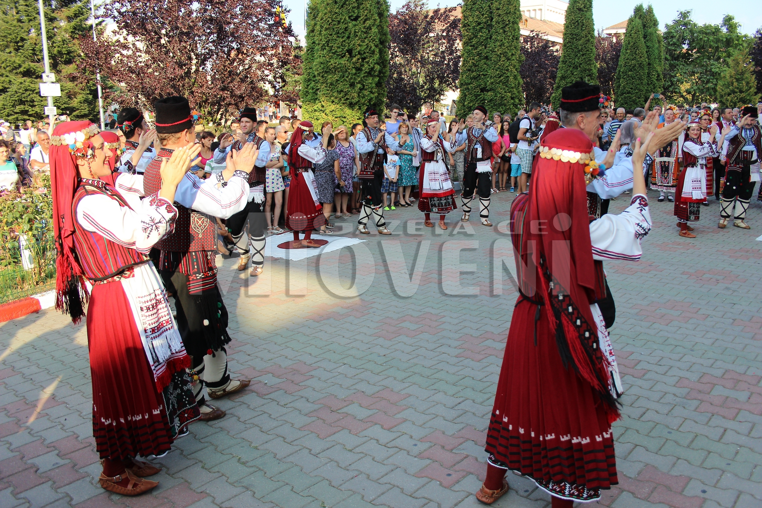 festivalul-international-de-folclor-carpati-mioveni-11-august-2016 (18)