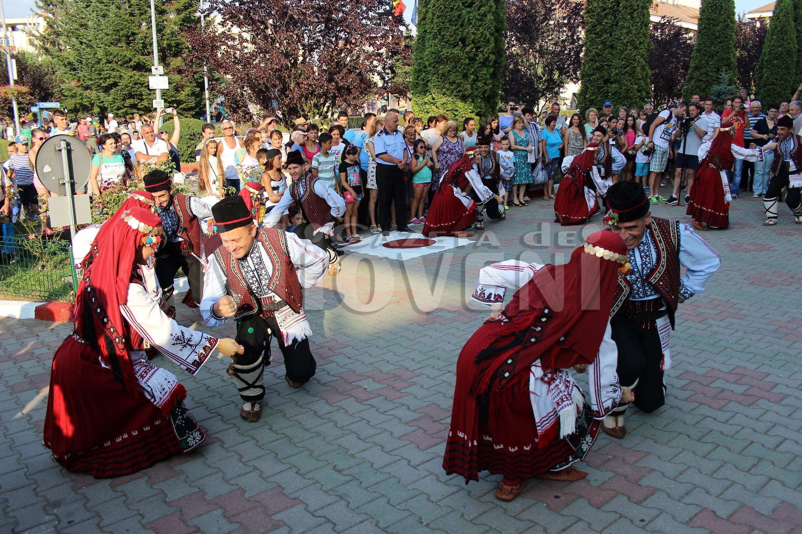 festivalul-international-de-folclor-carpati-mioveni-11-august-2016 (19)