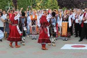 festivalul-international-de-folclor-carpati-mioveni-11-august-2016 (20)