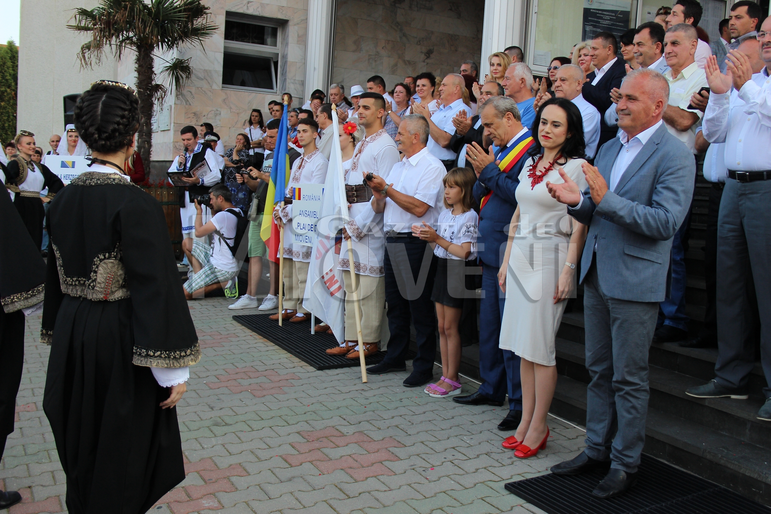 festivalul-international-de-folclor-carpati-mioveni-11-august-2016 (27)