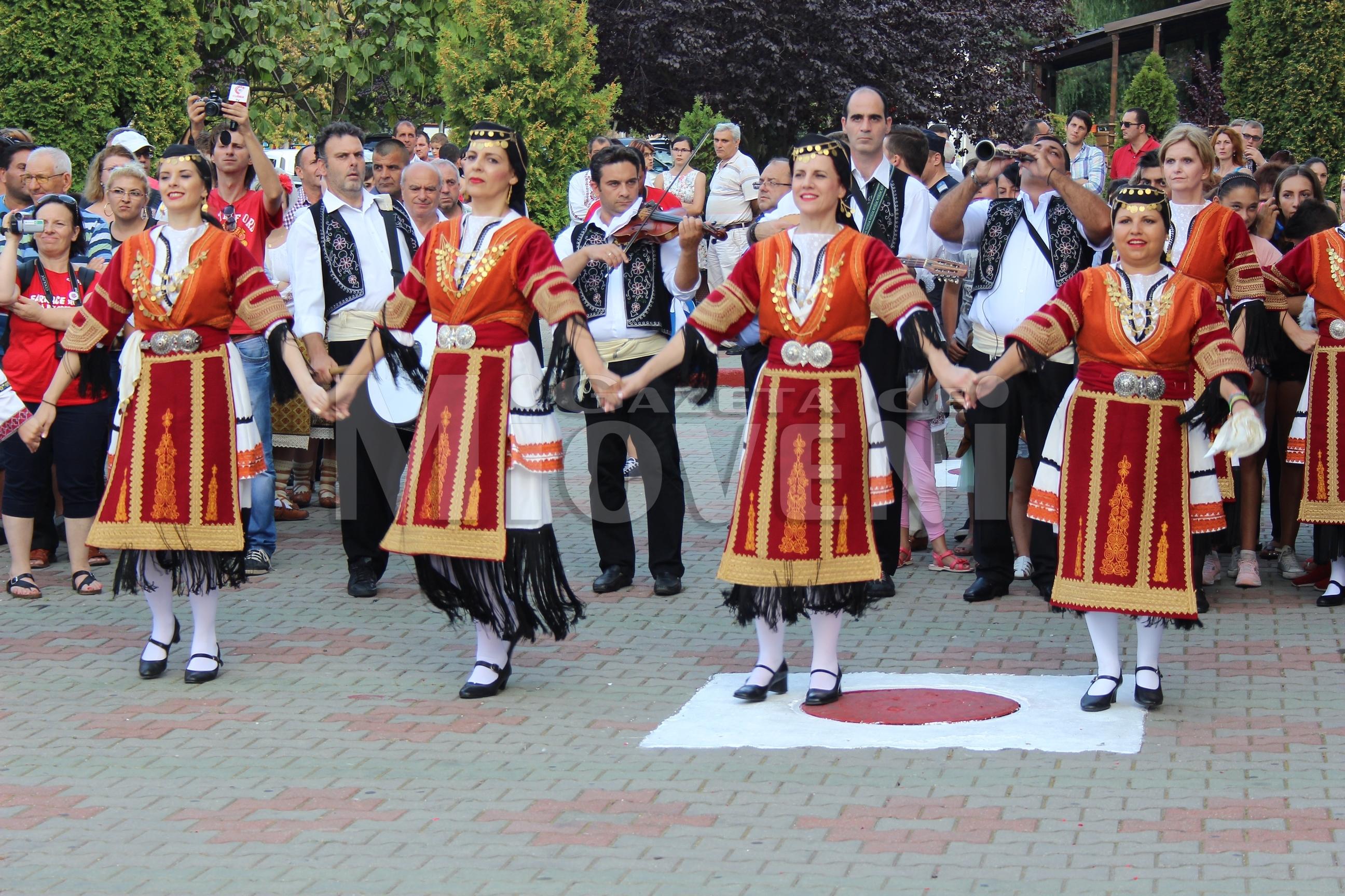 festivalul-international-de-folclor-carpati-mioveni-11-august-2016 (32)