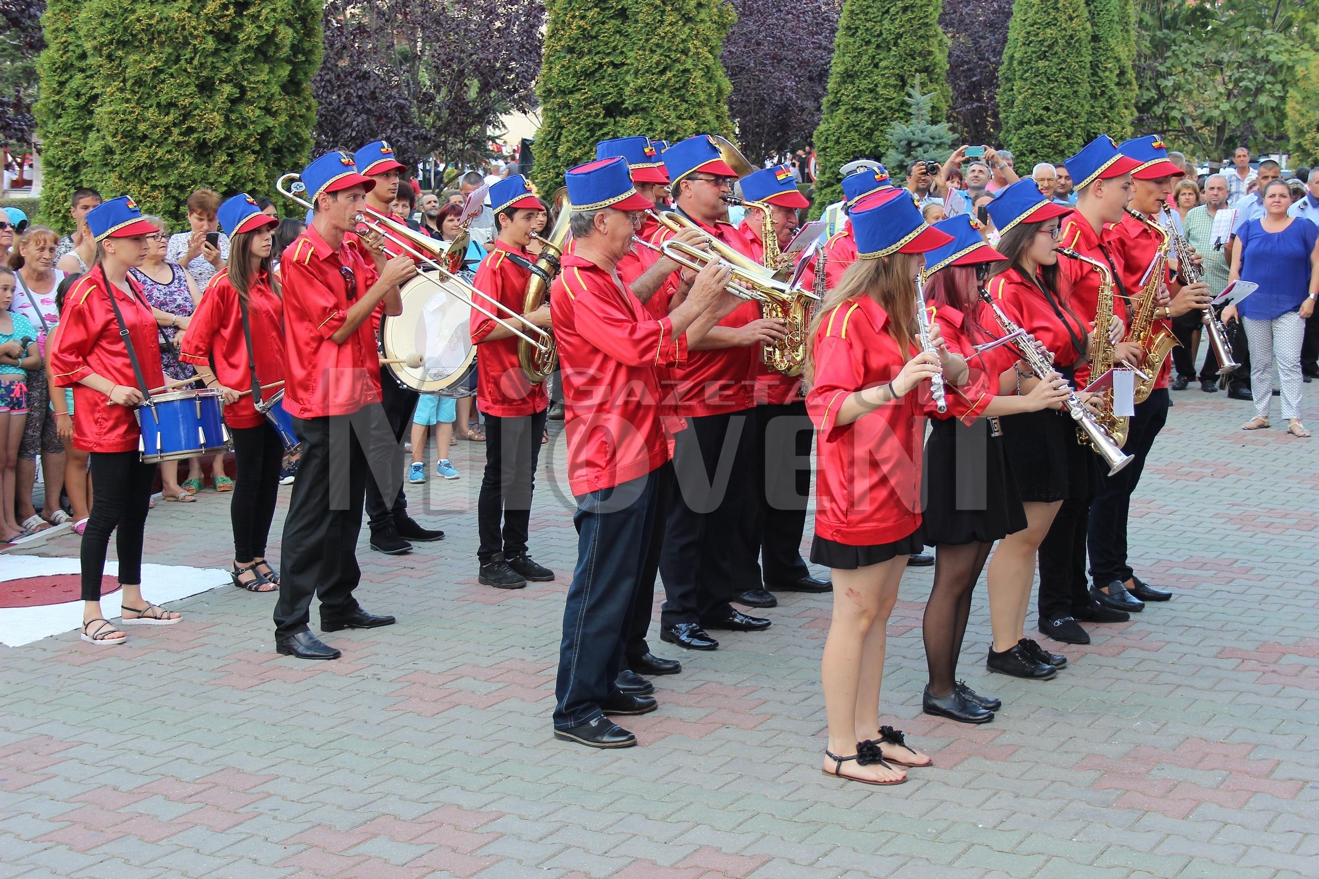 festivalul-international-de-folclor-carpati-mioveni-11-august-2016 (40)
