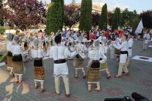 festivalul-international-de-folclor-carpati-mioveni-11-august-2016 (5)