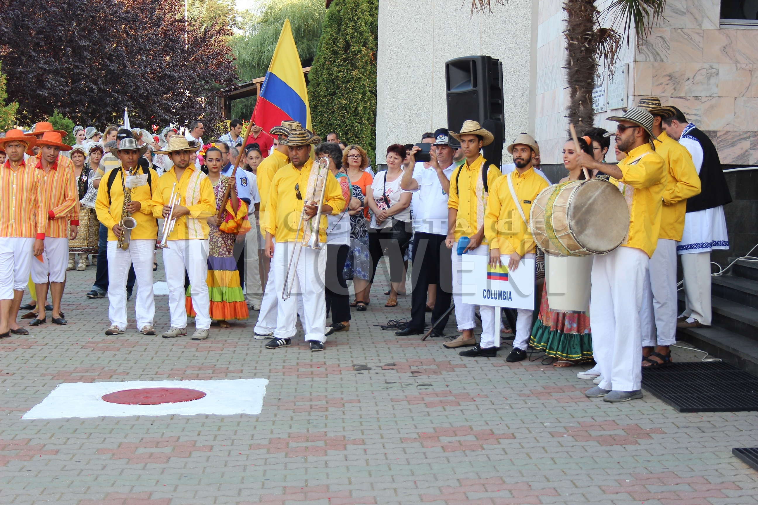 festivalul-international-de-folclor-carpati-mioveni-11-august-2016 (9)