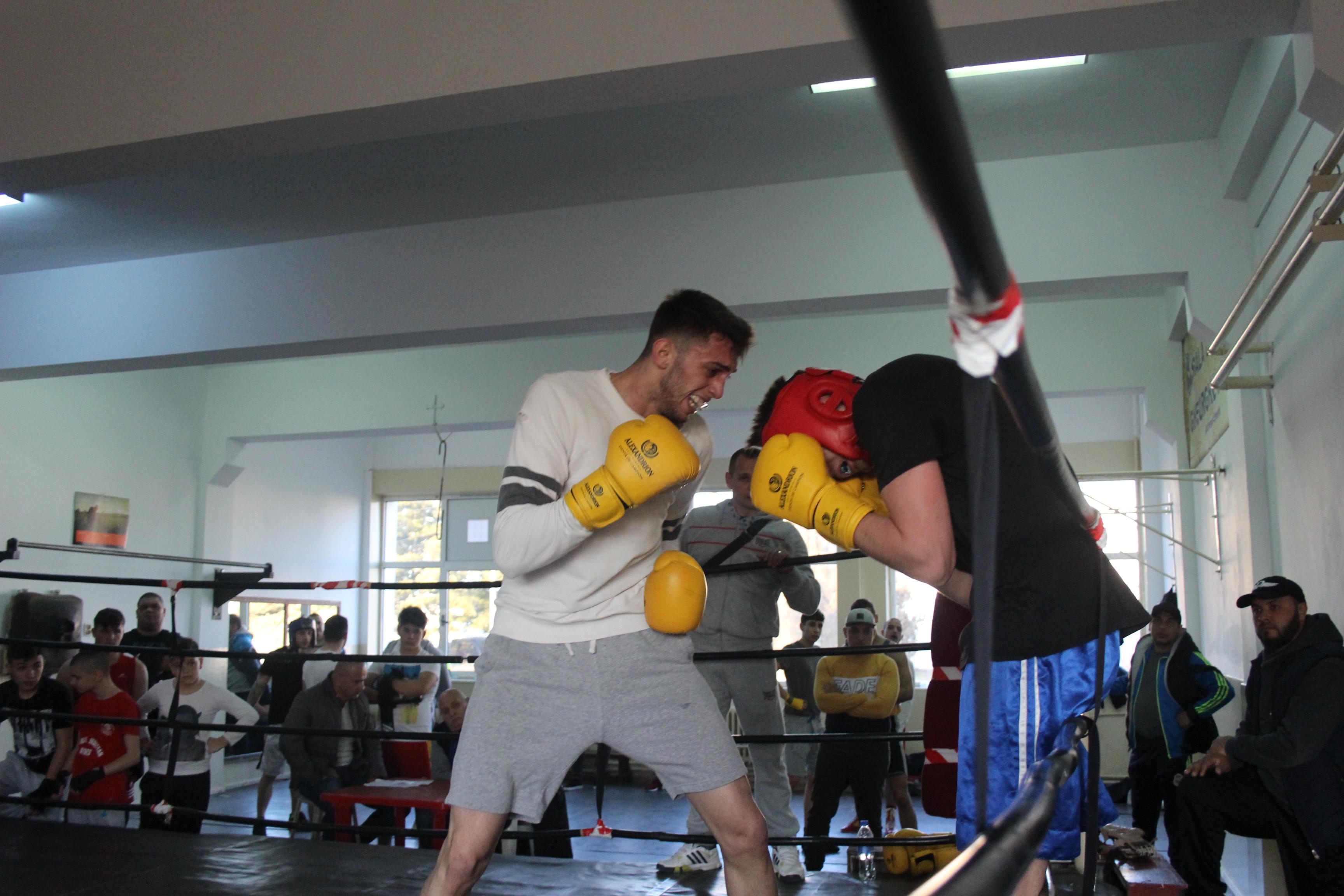 sparring-cs-mioveni-box (5)