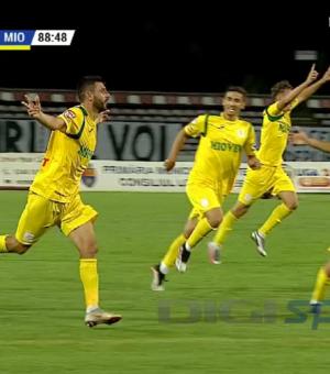 Marian Anghelina a reușit golul victoriei pentru CS Mioveni, în derby-ul județean   Foto: digisport.ro